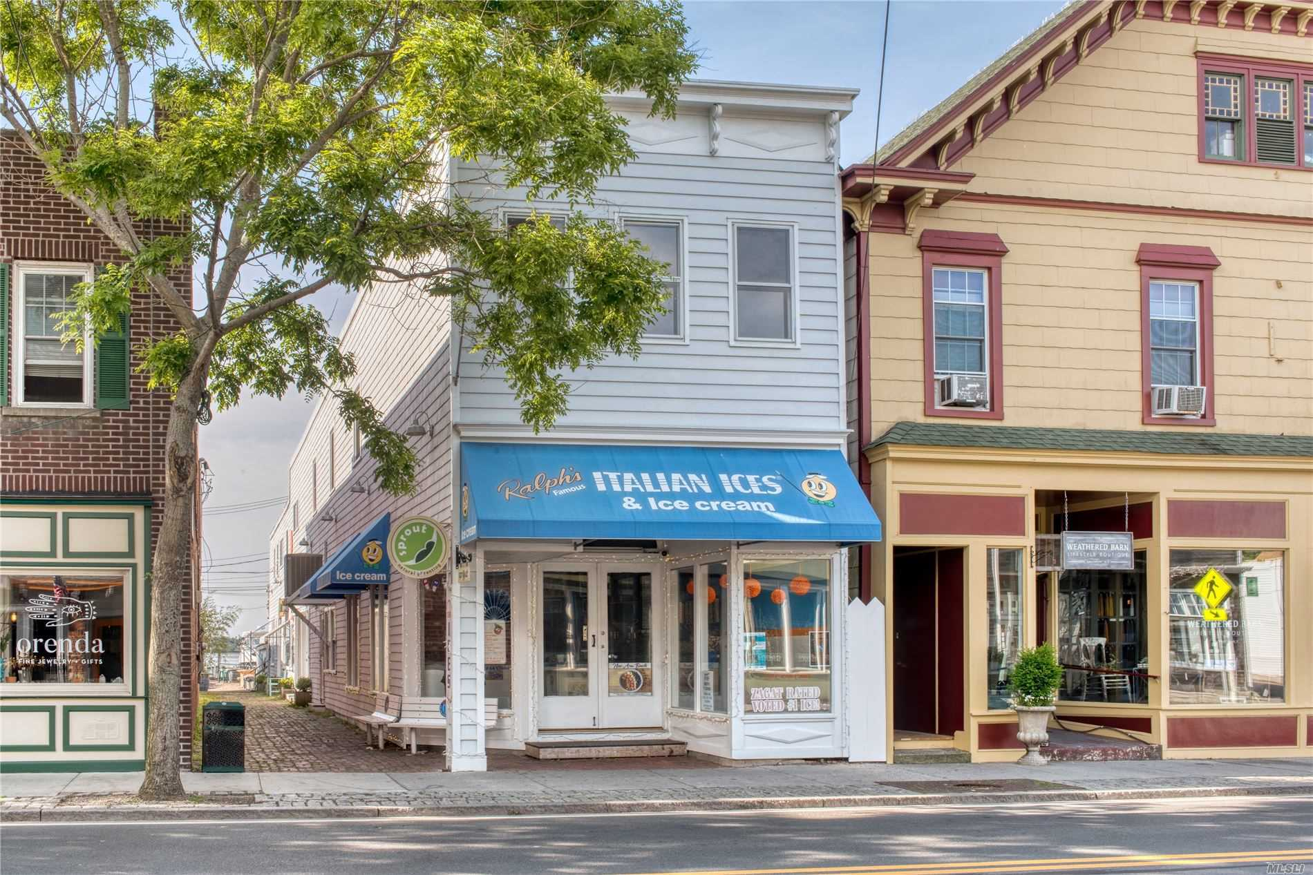 Acquisto commerciale in 37 Front St, Greenport, NY ,11944
