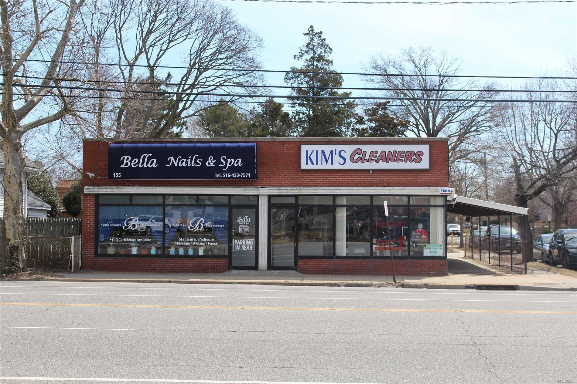Acquisto commerciale in 153-155 Woodbury Rd, Hicksville, NY ,11801