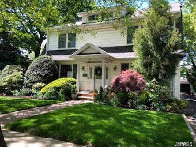 Residenziale in 9 Berry St, Lynbrook, NY ,11563