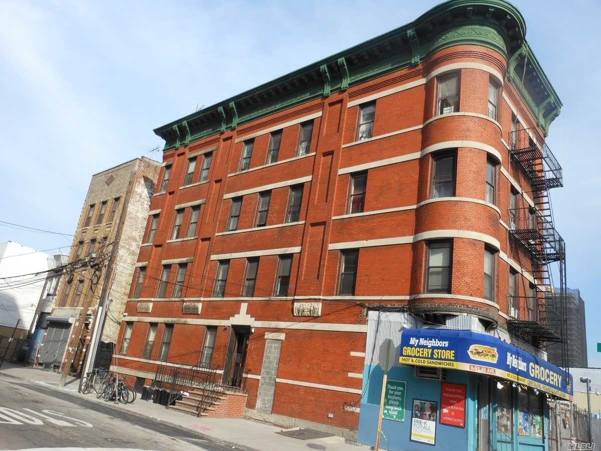 Acquisto commerciale in 9-01 40 Ave, Long Island City, NY ,11101