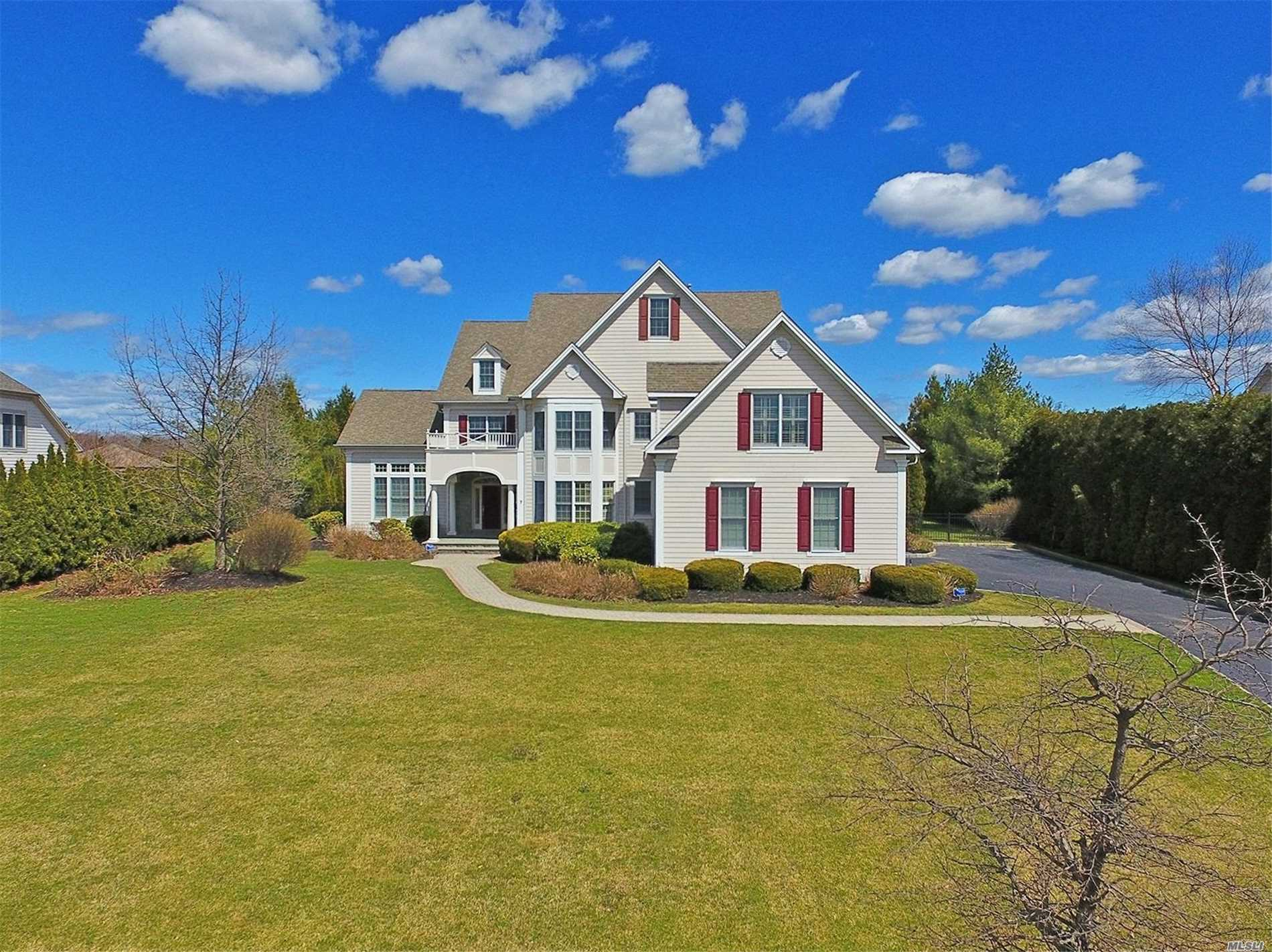 Residenziale in 7 legends Cir, Melville, NY ,11747