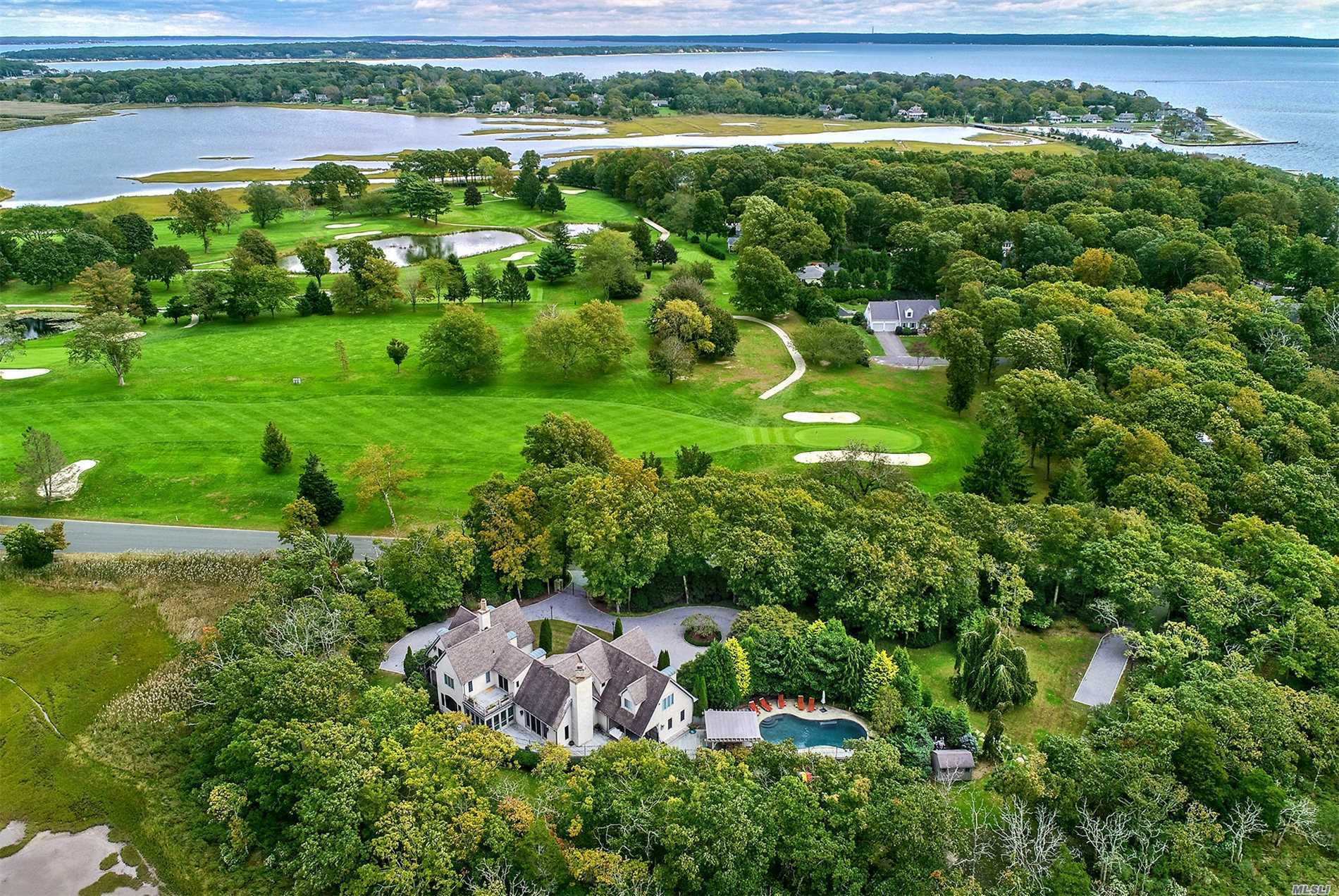 Residenziale in 4370 Moores Ln, Cutchogue, NY ,11935