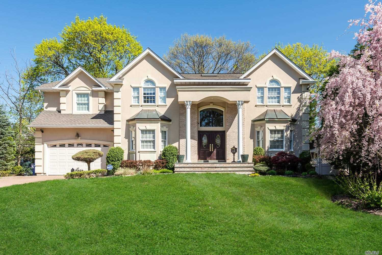 Residenziale in 207 Bengeyfield Dr, E. Williston, NY ,11596