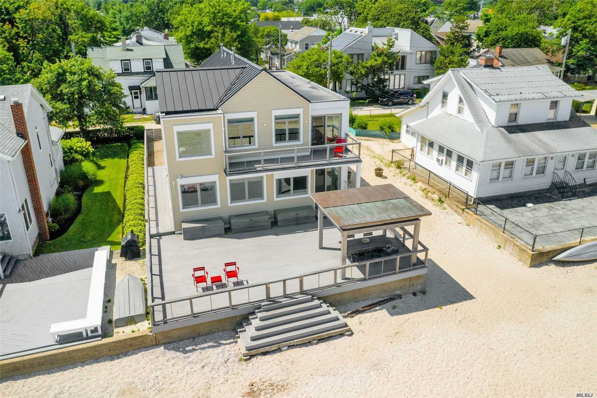 Residenziale in 15 Pine Park Ave, Bayville, NY ,11709