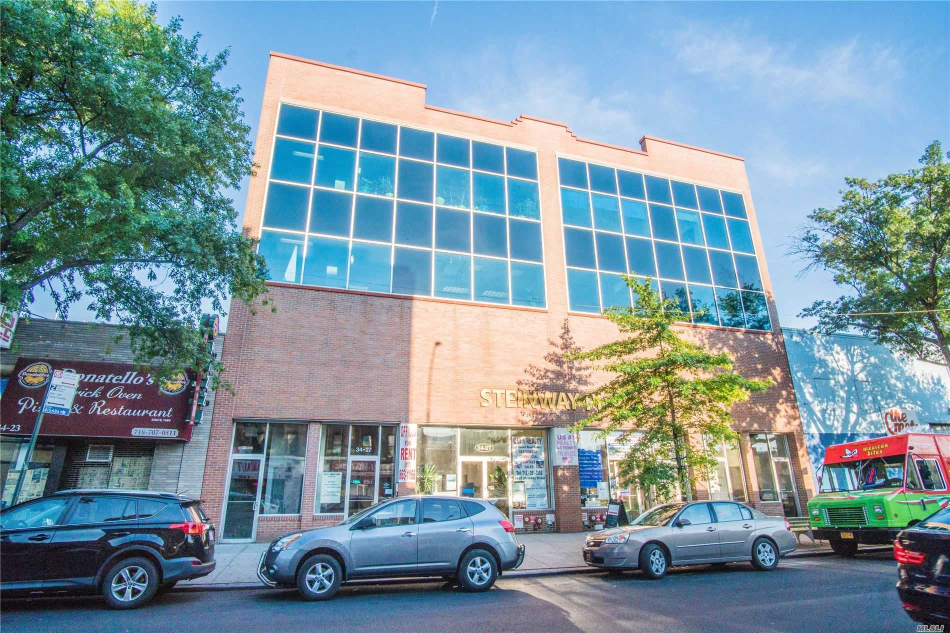 Acquisto commerciale in 34-27/29 Steinway St, Long Island City, NY ,11101