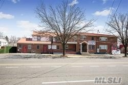 Acquisto commerciale in 705-707 Nassau Rd, Uniondale, NY ,11553