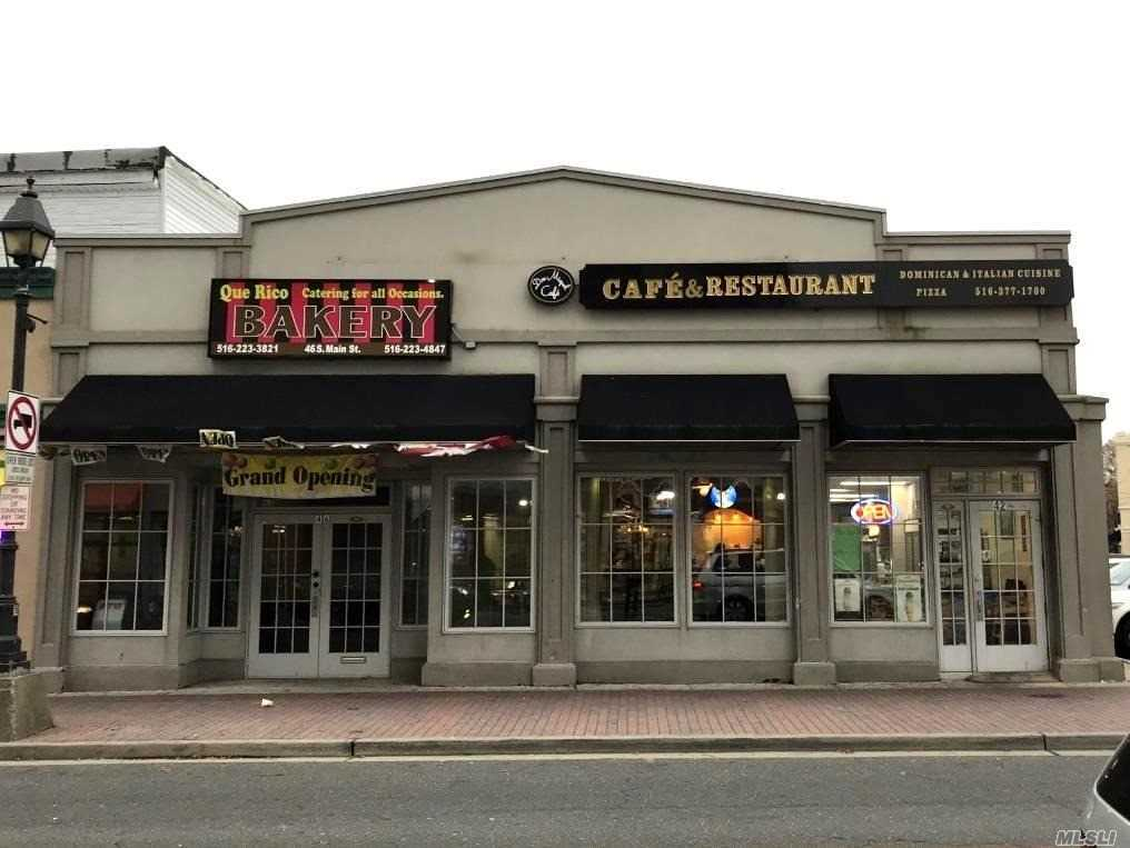 Acquisto commerciale in 42-46 S Main St, Freeport, NY ,11520