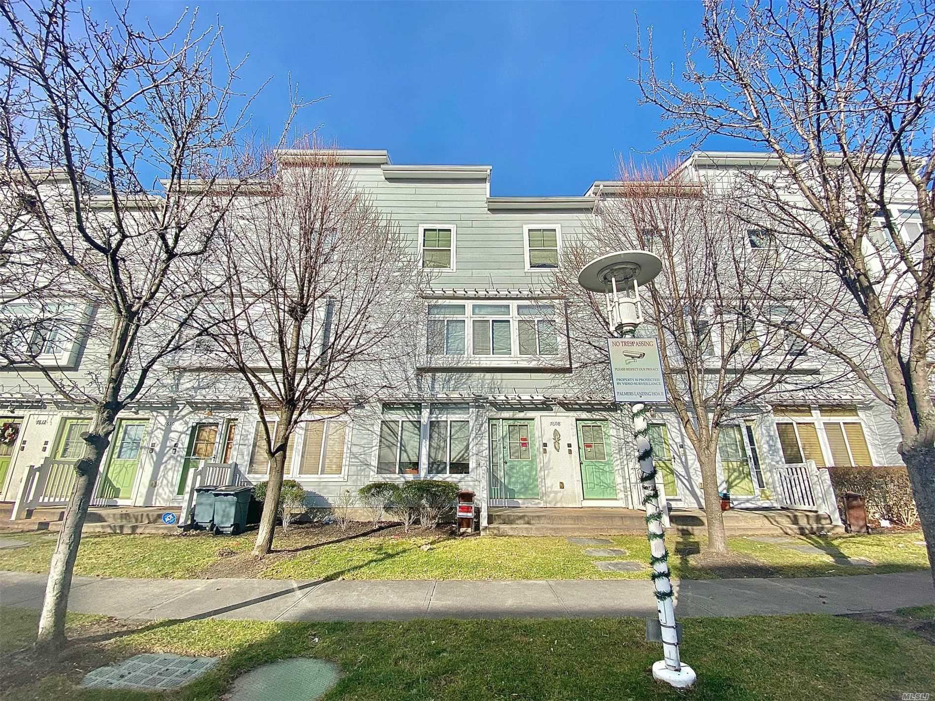 Residenziale in 76-08 Aquatic Drive, Arverne, NY ,11692