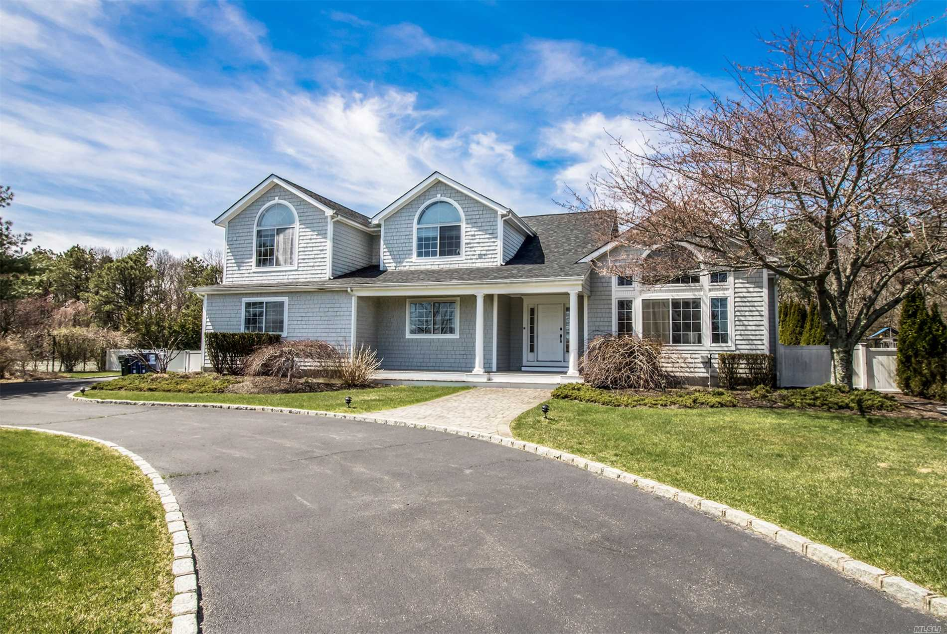 Residenziale in 10 Polo Grounds Ln, E. Quogue, NY ,11942