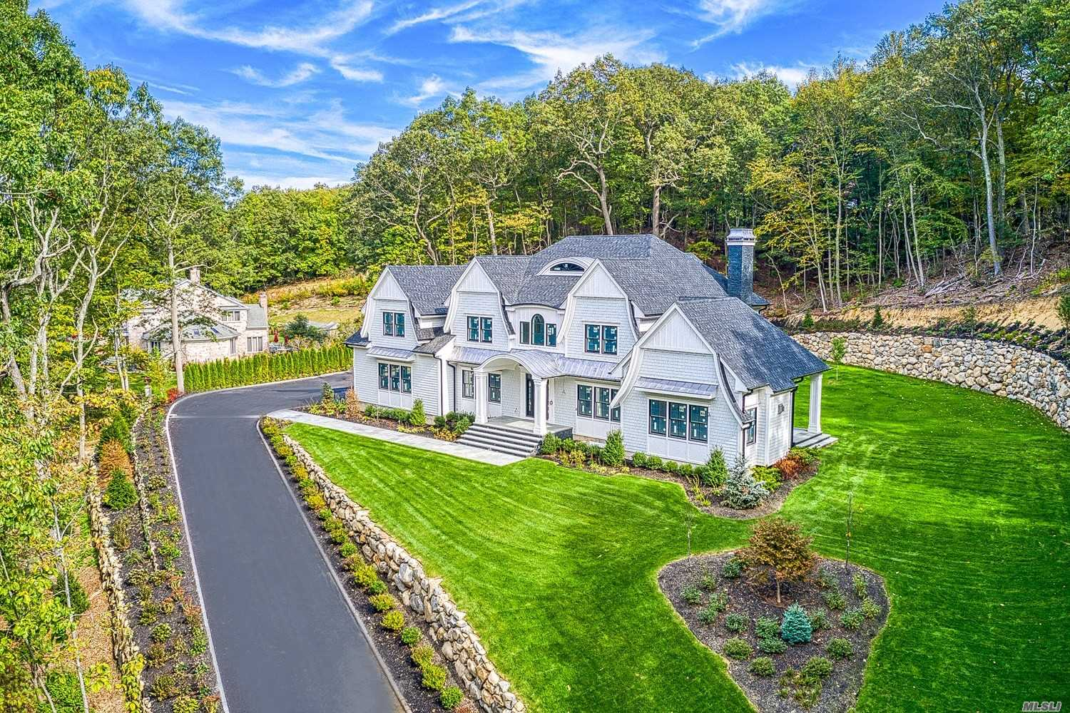 Residenziale in 1539 Laurel Hollow Rd, Laurel Hollow, NY ,11791