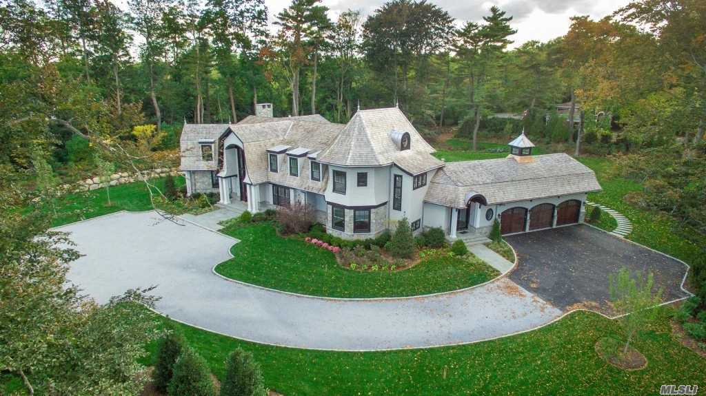 Residenziale in 2 Hidden Pond Dr, Old Westbury, NY ,11568