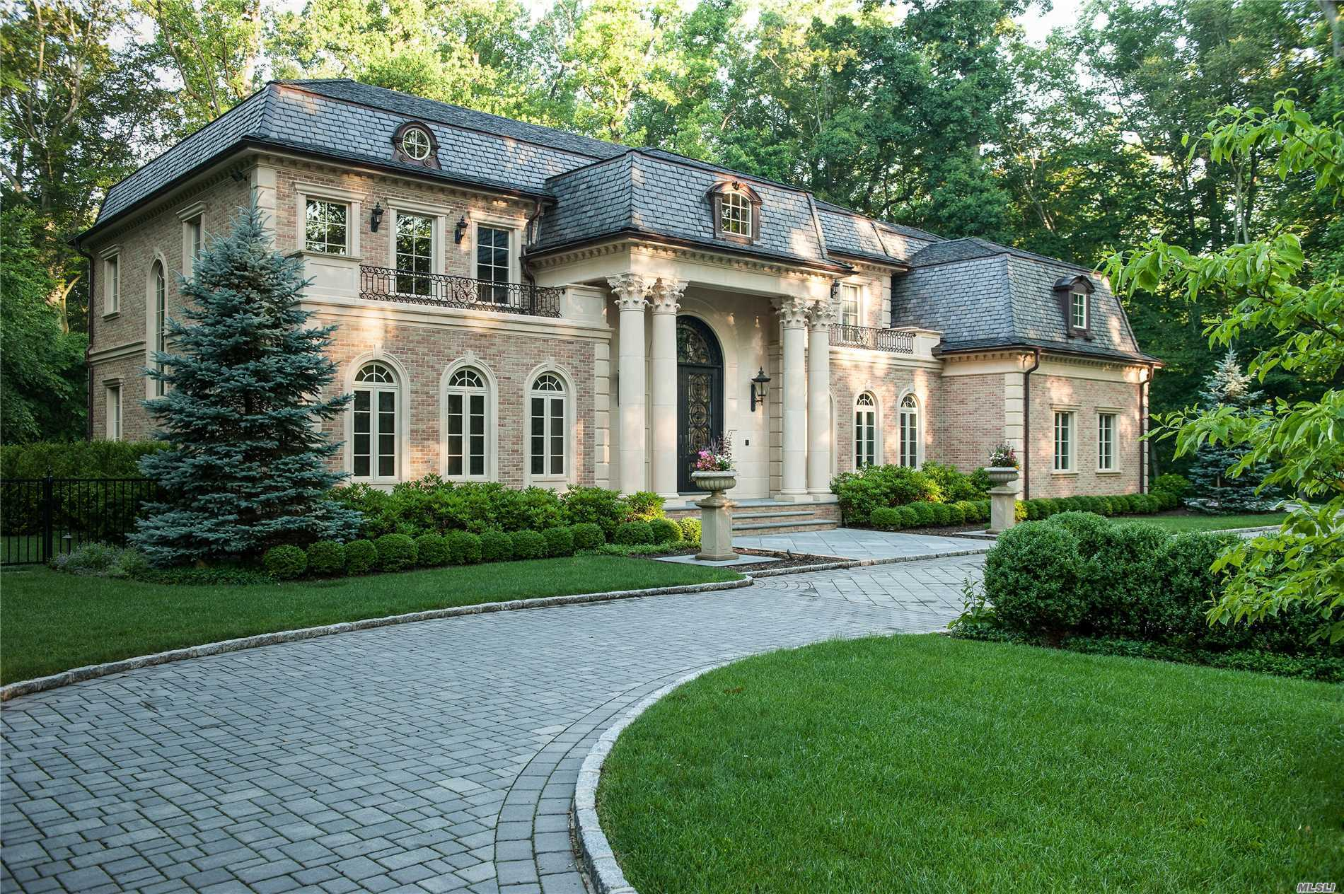 Residenziale in 2 Hale Dr, Great Neck, NY ,11024