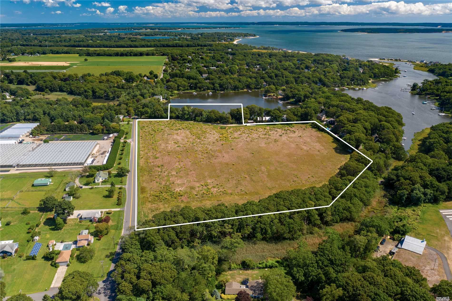 Compra di terreno in 4180 New Suffolk Ave, Mattituck, NY ,11952