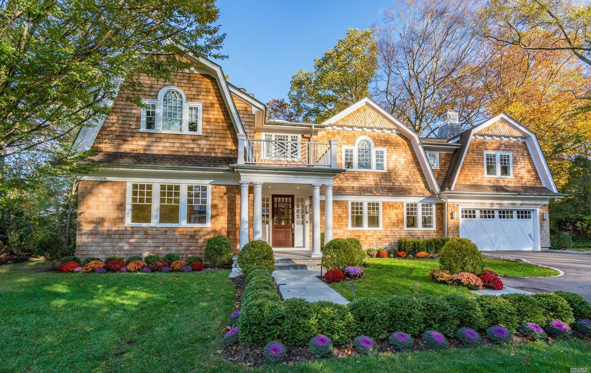 Residenziale in 115 Sycamore Drive, East Hills, NY ,11576
