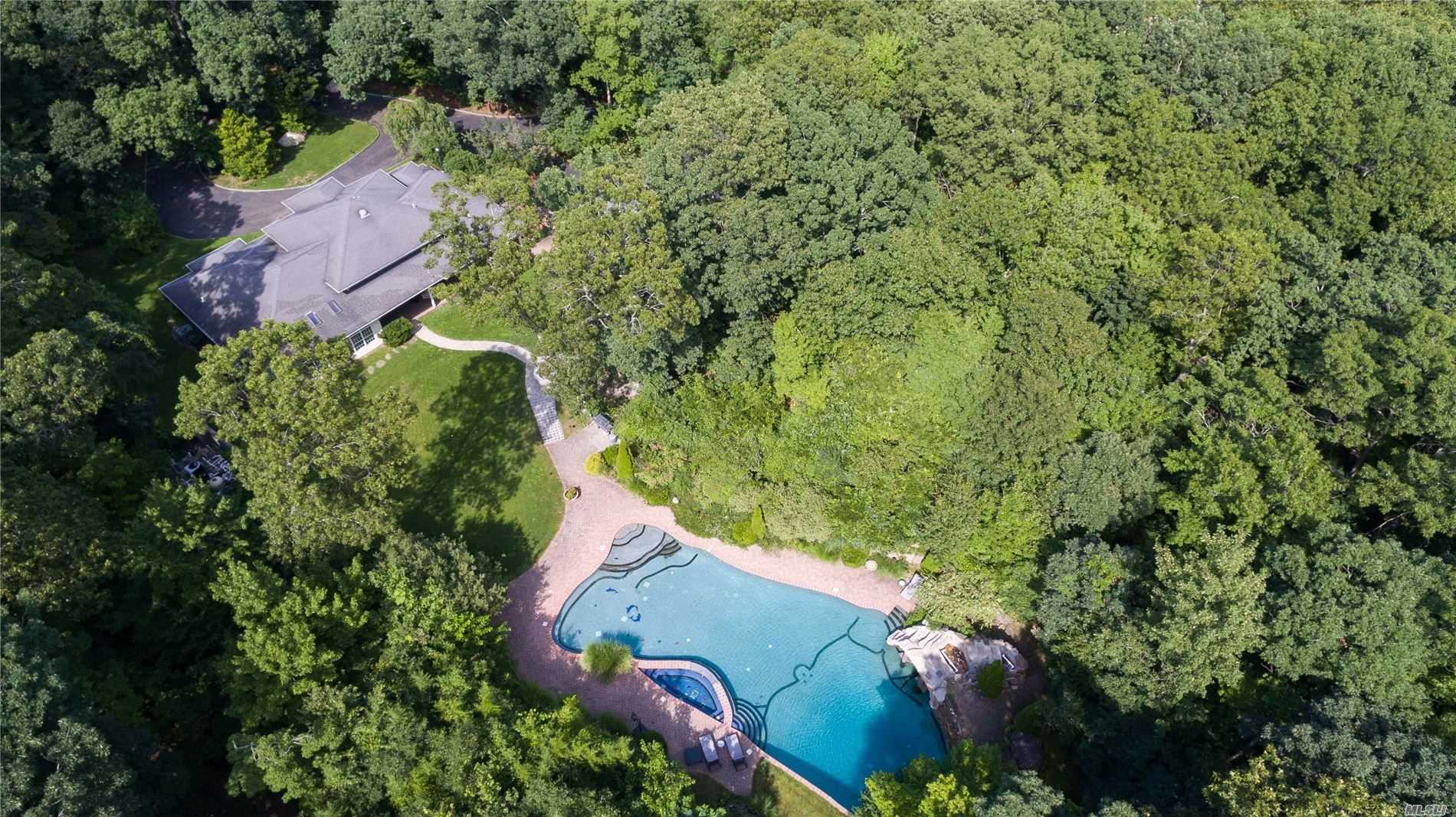 Residenziale in 2839 Wading River N Rd, Wading River, NY ,11792