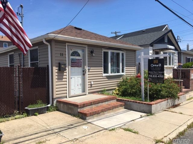Residenziale in 11 7th E Rd, Broad Channel, NY ,11693