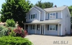 Residenziale in 20 Wantagh Avenue, Levittown, NY ,11756