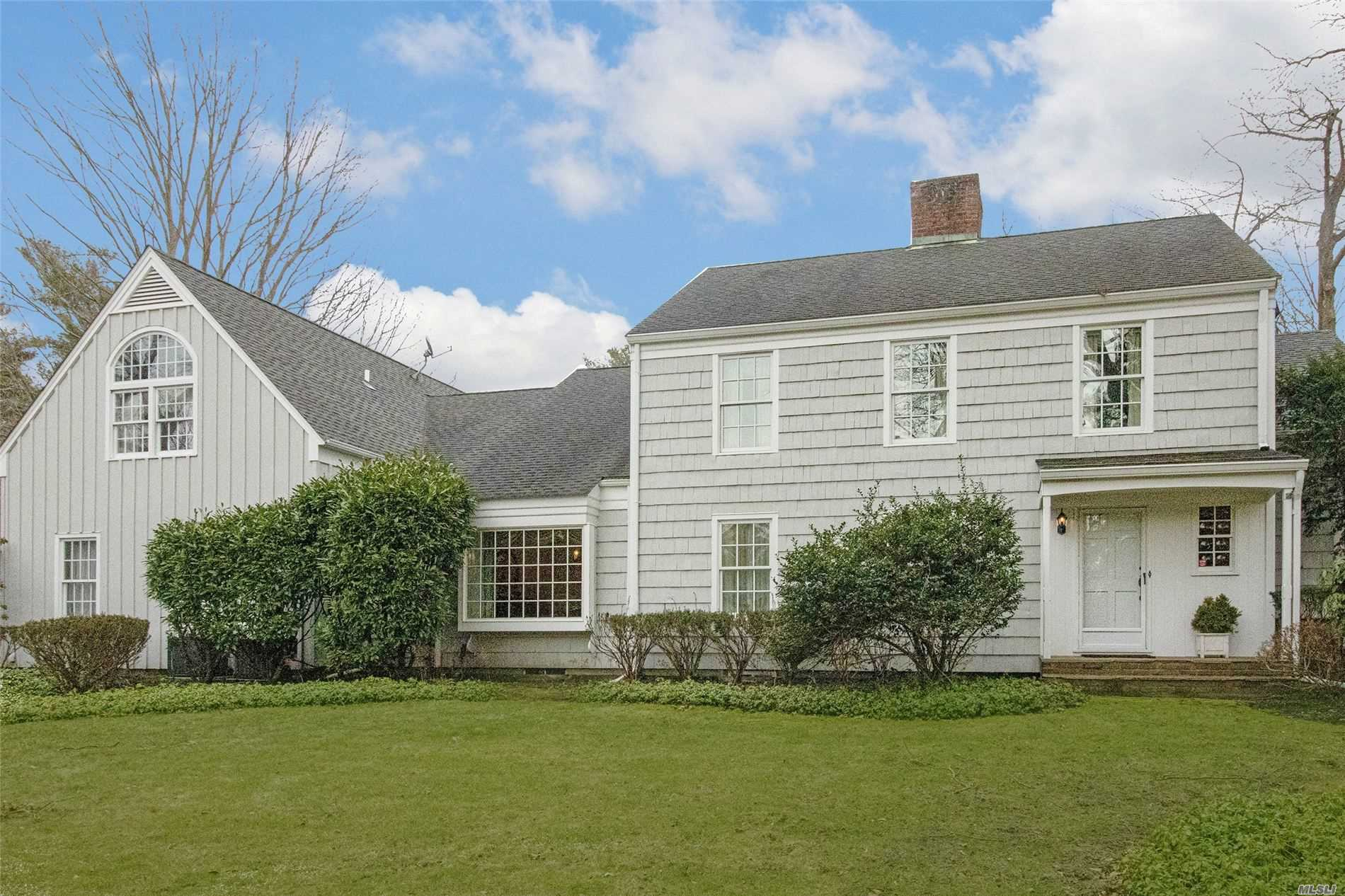 Residenziale in 4 Three Pond Rd, Smithtown, NY ,11787
