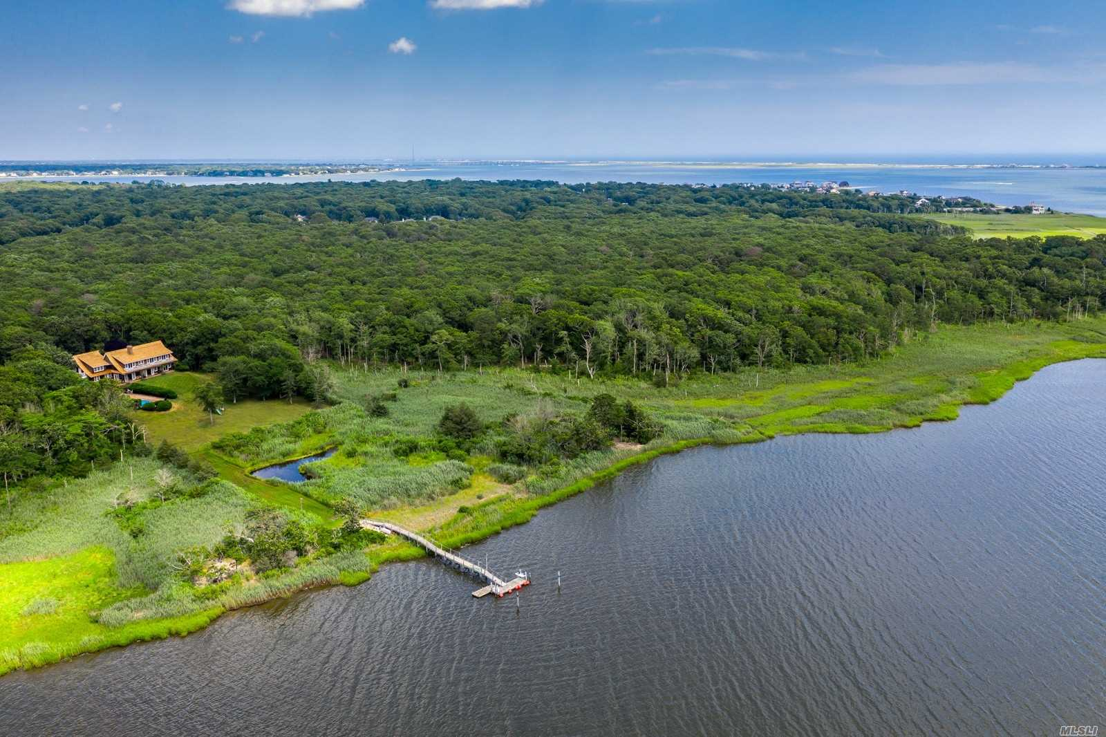 Residenziale in 43 Head Of Lots Rd, E. Quogue, NY ,11942