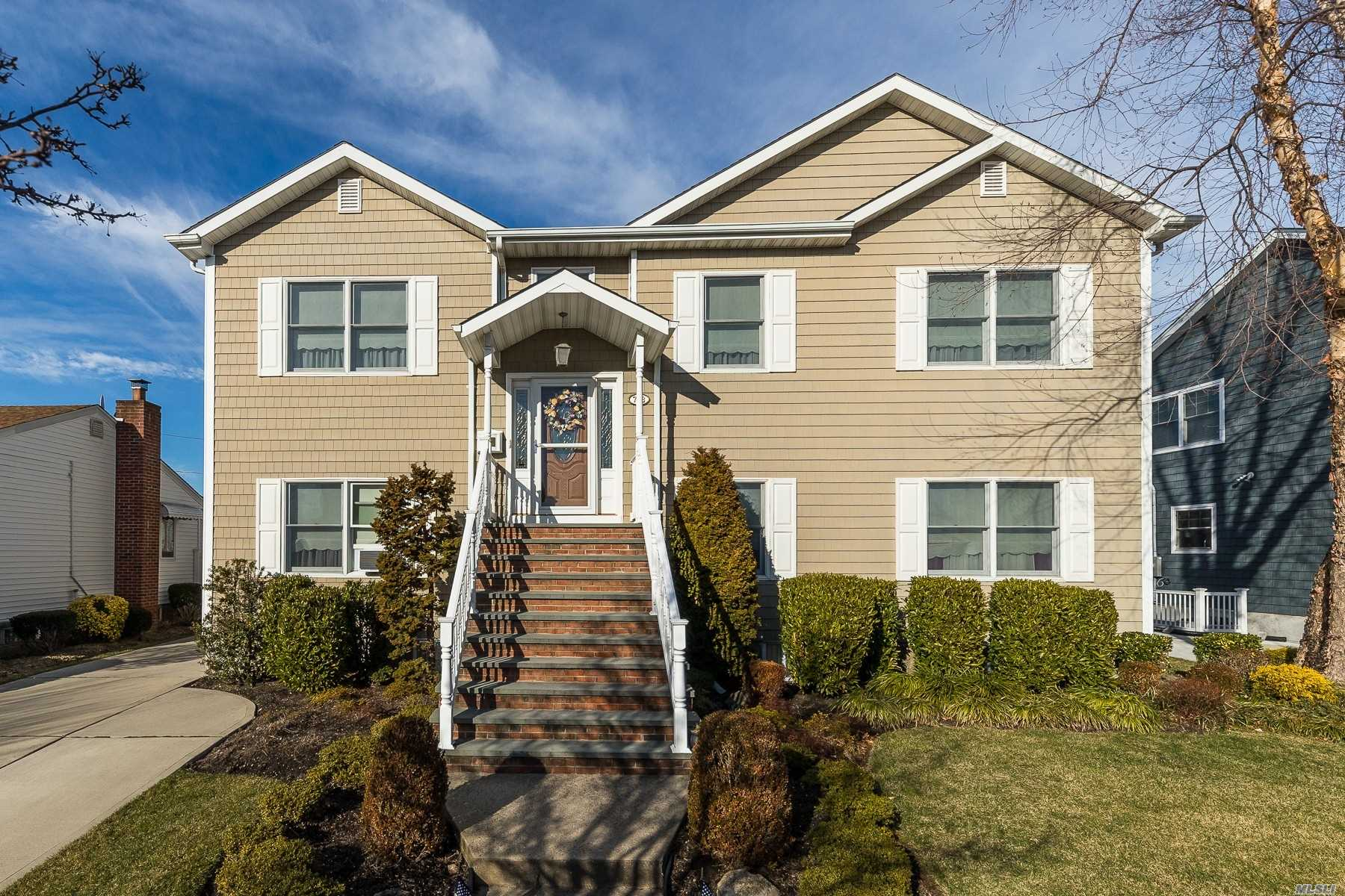 Residenziale in 788 Anderson Ave, Franklin Square, NY ,11010