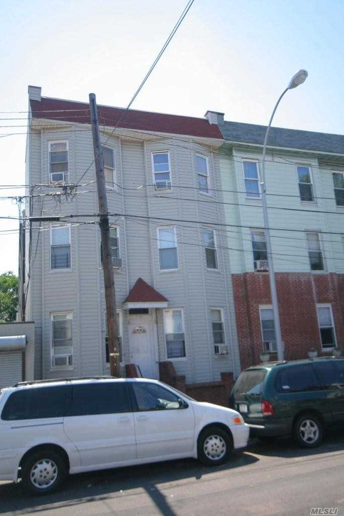Acquisto commerciale in 12-28 30th Rd, Astoria, NY ,11102