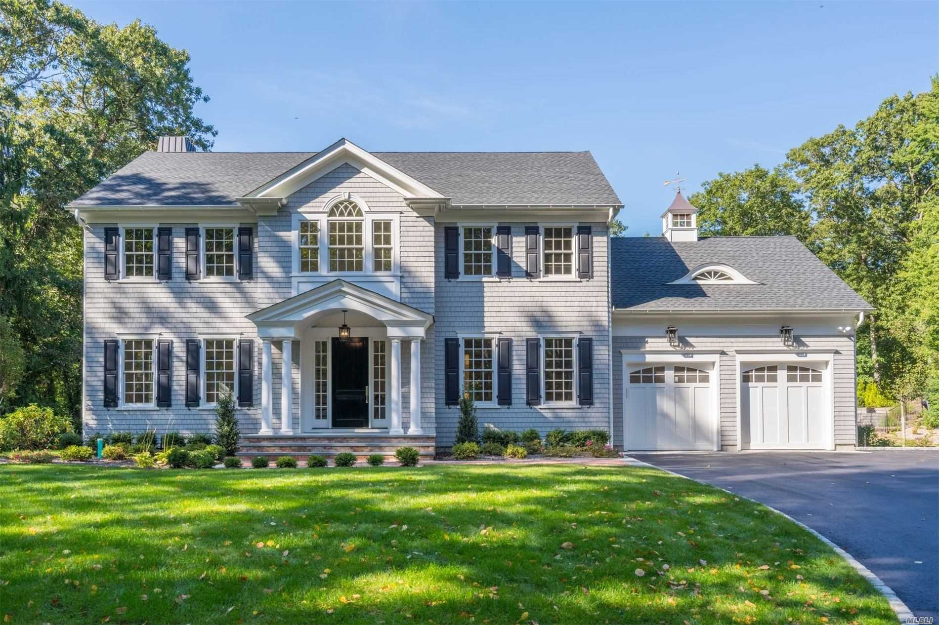 Residenziale in 74 Wilton Rd, Cold Spring Hrbr, NY ,11724
