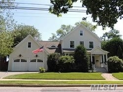 Residenziale in 3388 Stratford Rd, Wantagh, NY ,11793