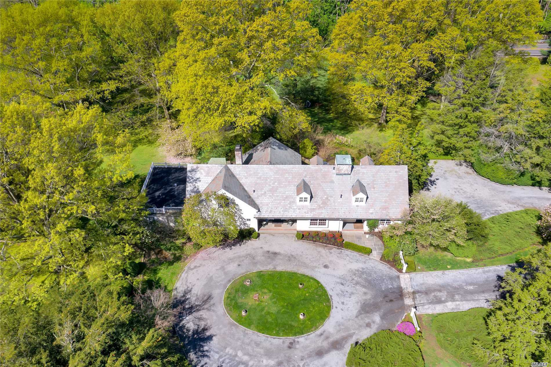 Residenziale in 202 Cleft Rd, Mill Neck, NY ,11765