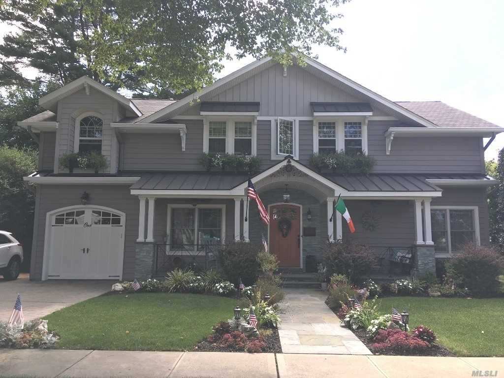 Residenziale in 1 Lark Ct, Old Bethpage, NY ,11804