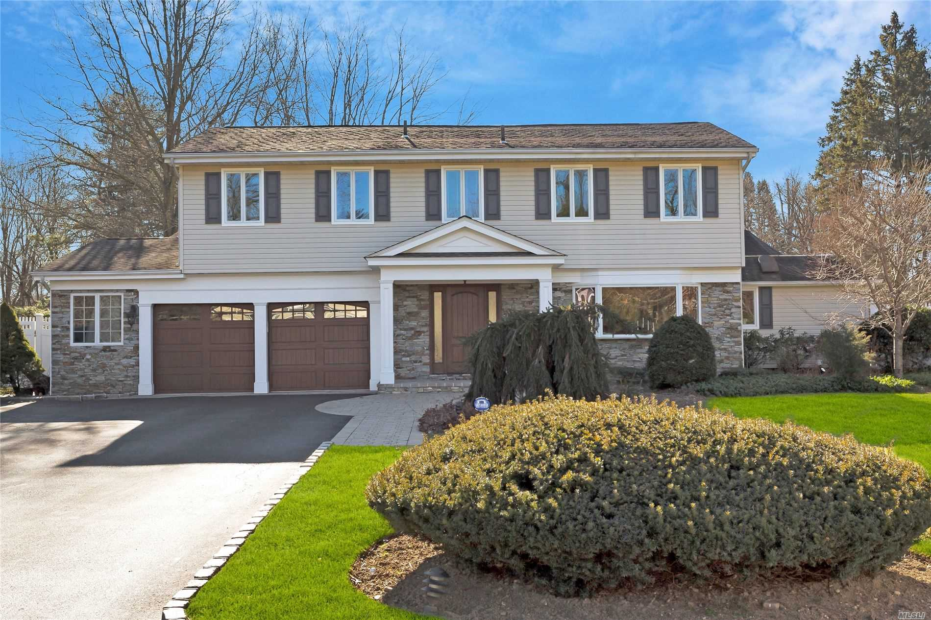 Residenziale in 50 Sagamore Dr, Syosset, NY ,11791