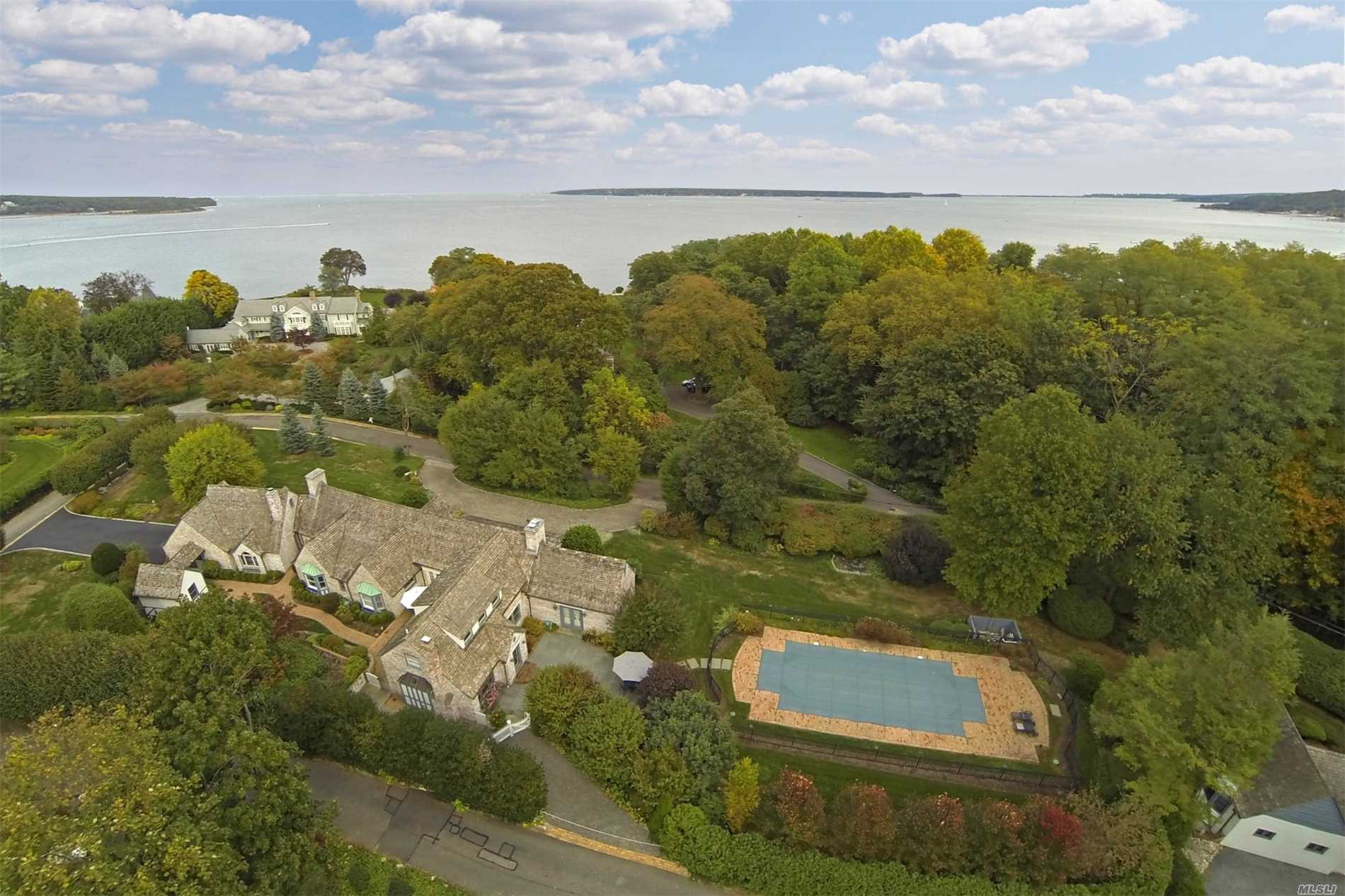 Residenziale in 1 Wincoma Dr, Huntington Bay, NY ,11743