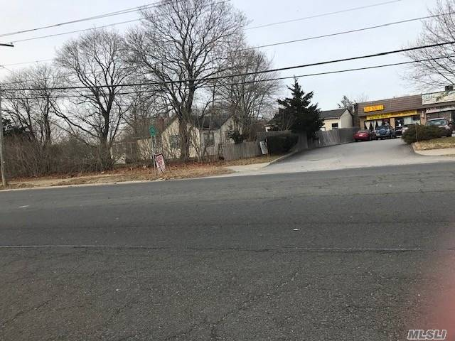Acquisto commerciale in 825 Route 25, Middle Island, NY ,11953