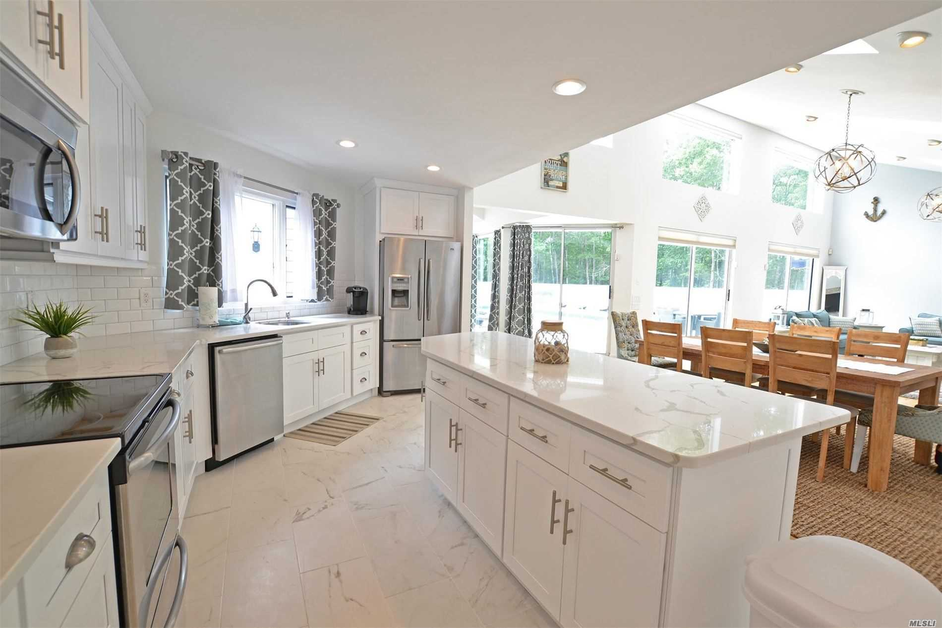Residenziale in 19 Deerfield East, Quogue, NY ,11959