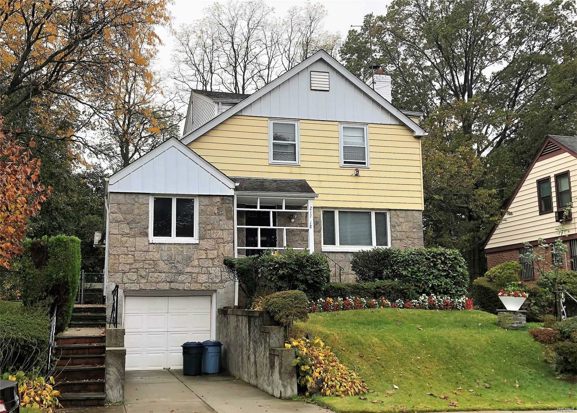 Residenziale in 217-18 77th Ave, Hollis Hills, NY ,11364