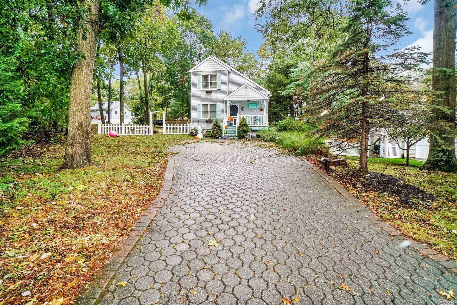 Residenziale in 34 Maple Avenue, Miller Place, NY ,11764