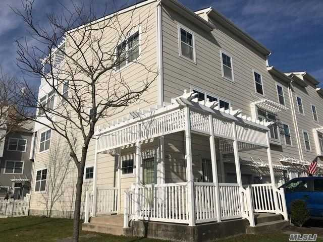 Residenziale in 203 Beach 77th St, Arverne, NY ,11692