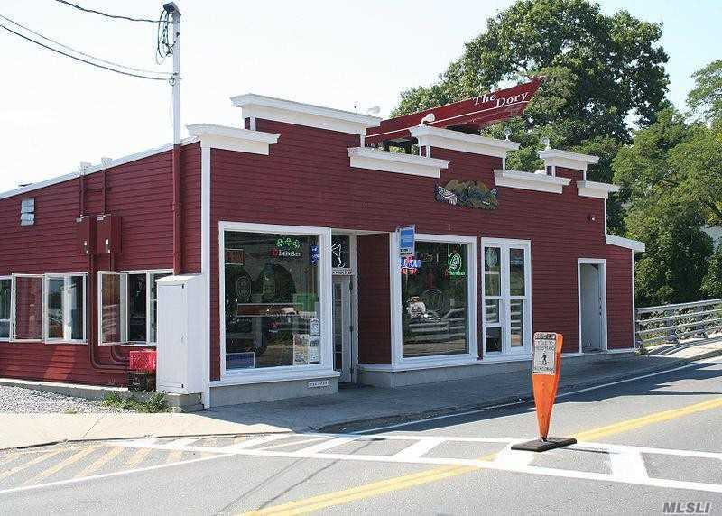 Acquisto commerciale in 185 Ferry N Rd, Shelter Island H, NY ,11965