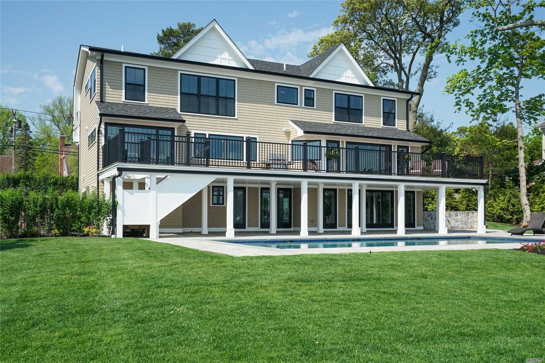 Residenziale in 317 Great River Rd, Great River, NY ,11739