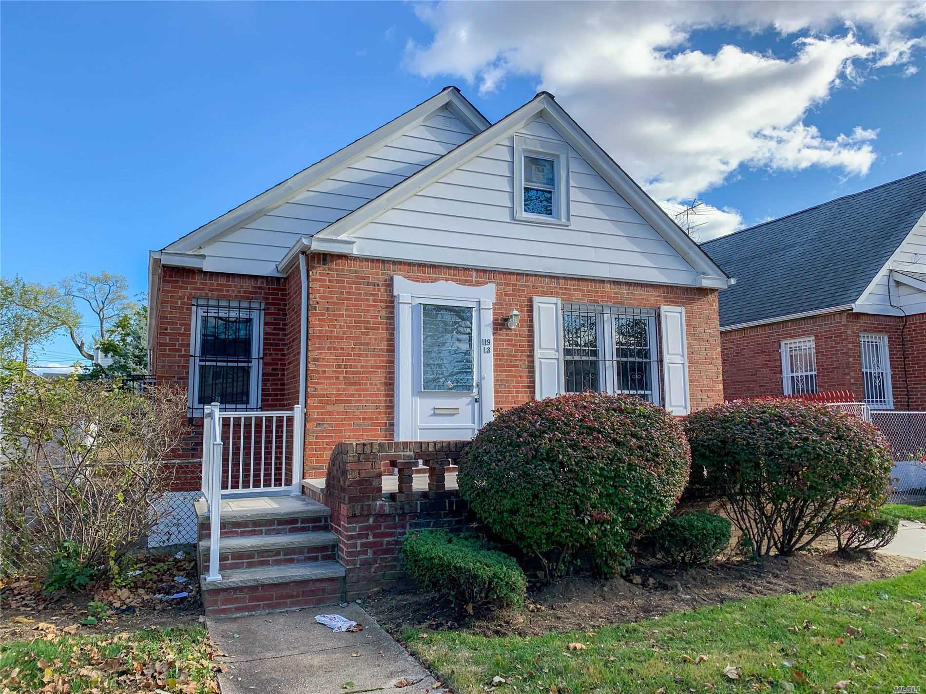 Residenziale in 119-13 235th St, Cambria Heights, NY ,11411