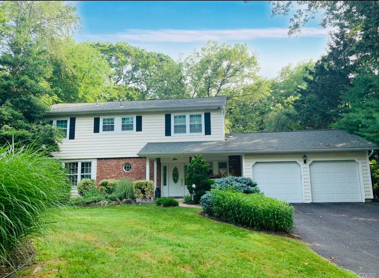 Residenziale in 5 Clayton Dr, Dix Hills, NY ,11746