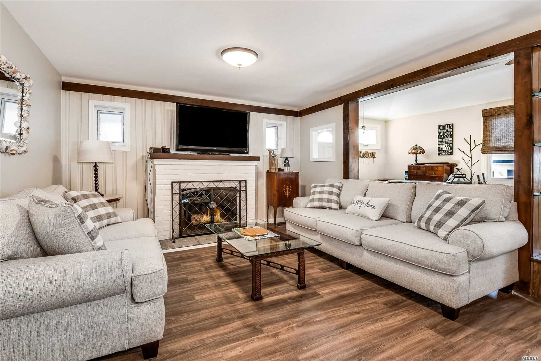 Residenziale in 80 Bellmore Ave, Point Lookout, NY ,11569