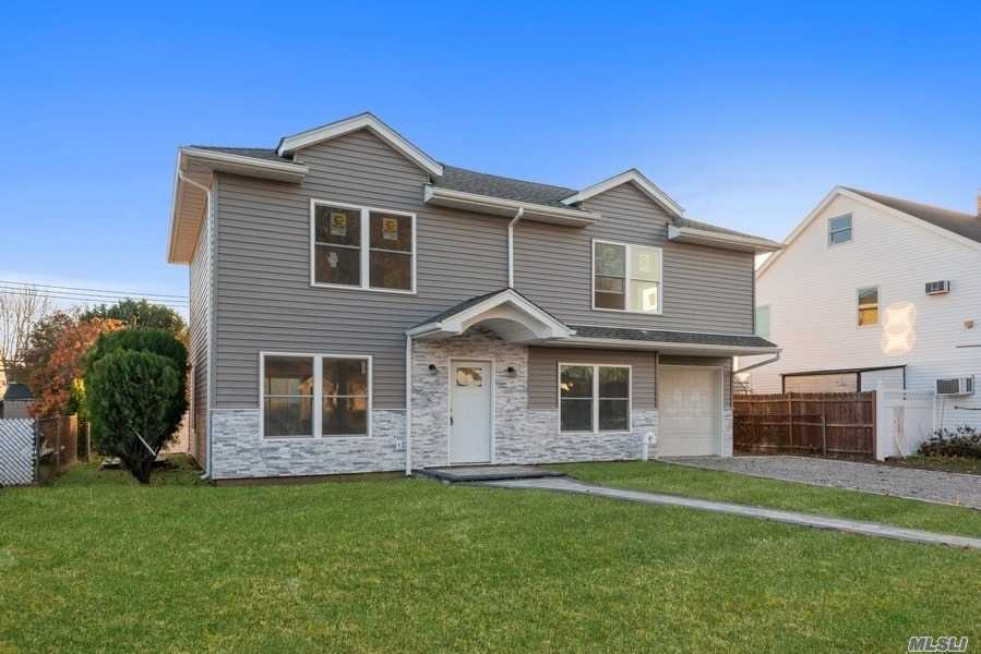 Residenziale in 60 Knoll, Levittown, NY ,11756