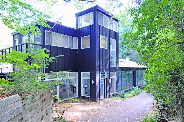Residenziale in 428 #D Harbor Rd, Cold Spring Hrbr, NY ,11724