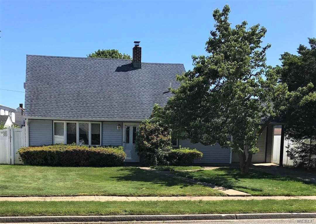 Residenziale in 5 Ring Ln, Levittown, NY ,11756