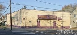 Acquisto commerciale in 281 Clinton St, Hempstead, NY ,11550