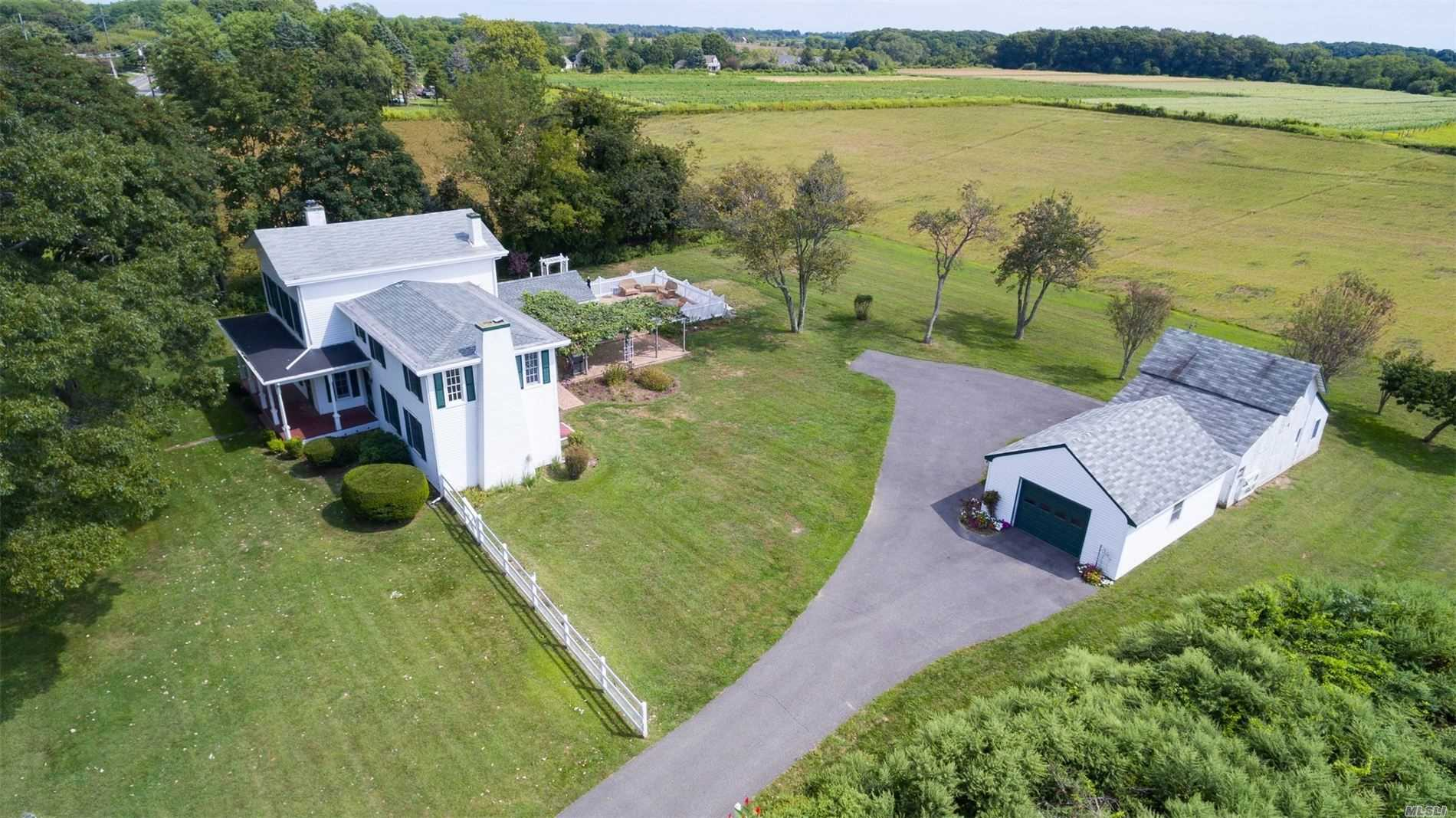 Residenziale in 26700 Main Rd, Orient, NY ,11957