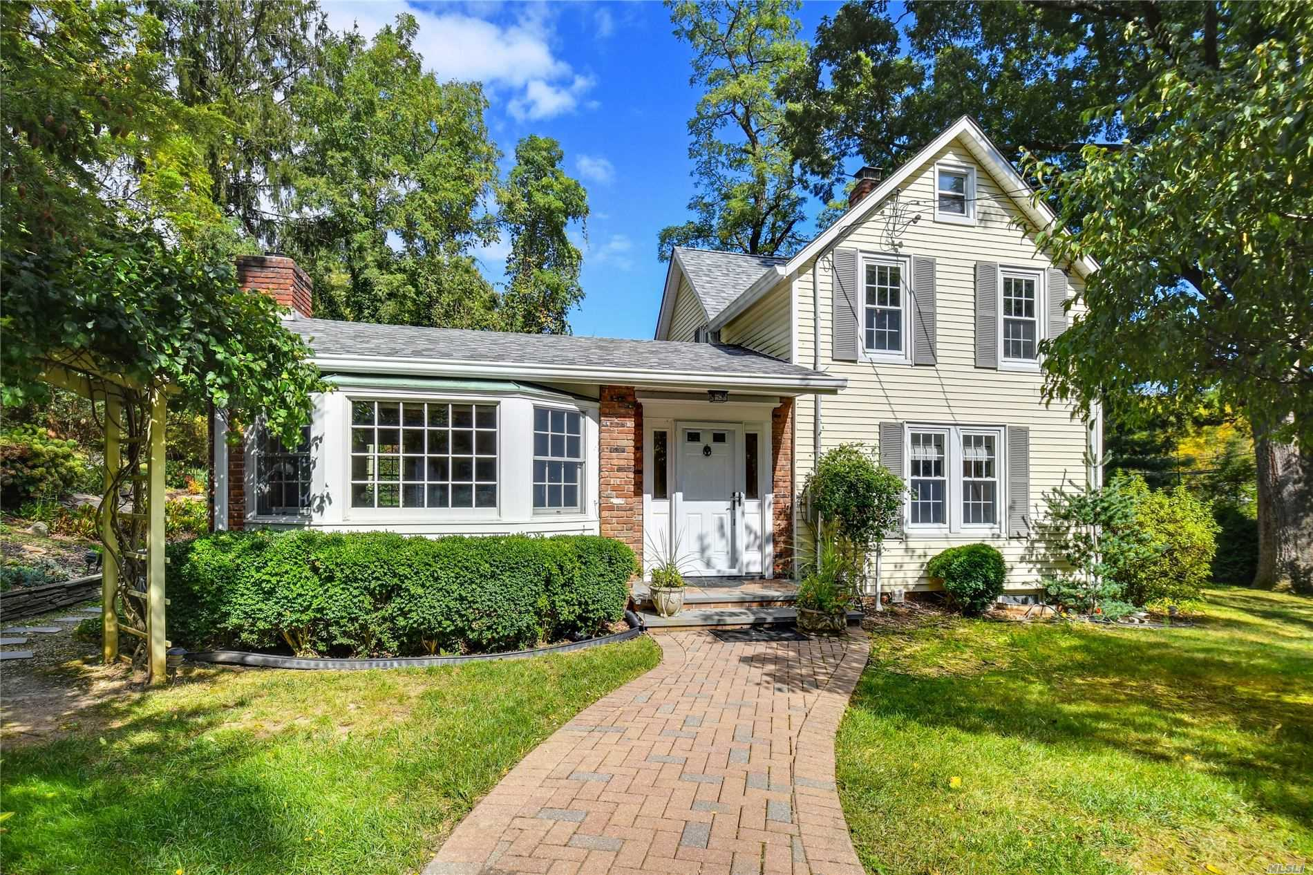 Residenziale in 1005 Fort Salonga Rd, Northport, NY ,11768