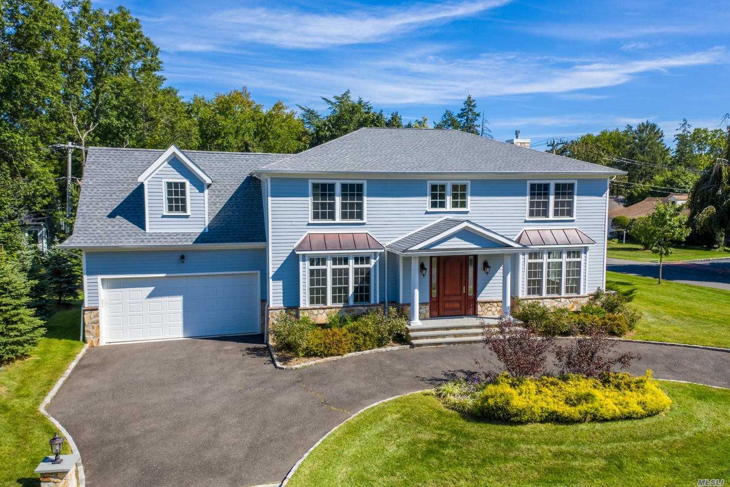Residenziale in 78 Old Farm Rd, East Hills, NY ,11577