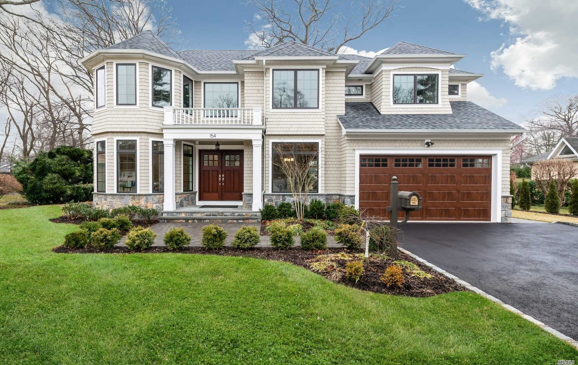 Residenziale in 154 Crescent Ln, East Hills, NY ,11577