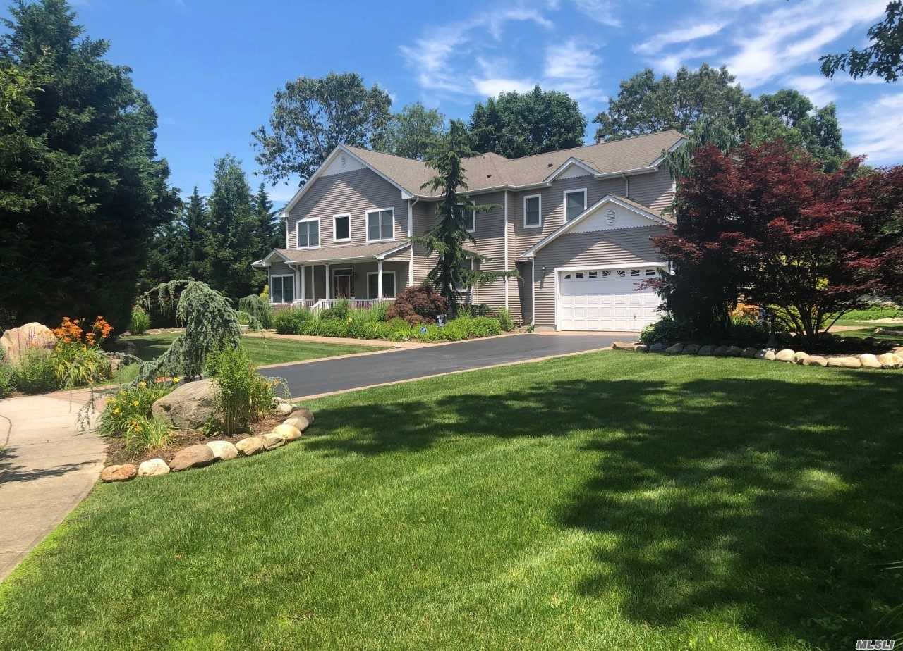 Residenziale in 15 Wexford Ct, St. James, NY ,11780